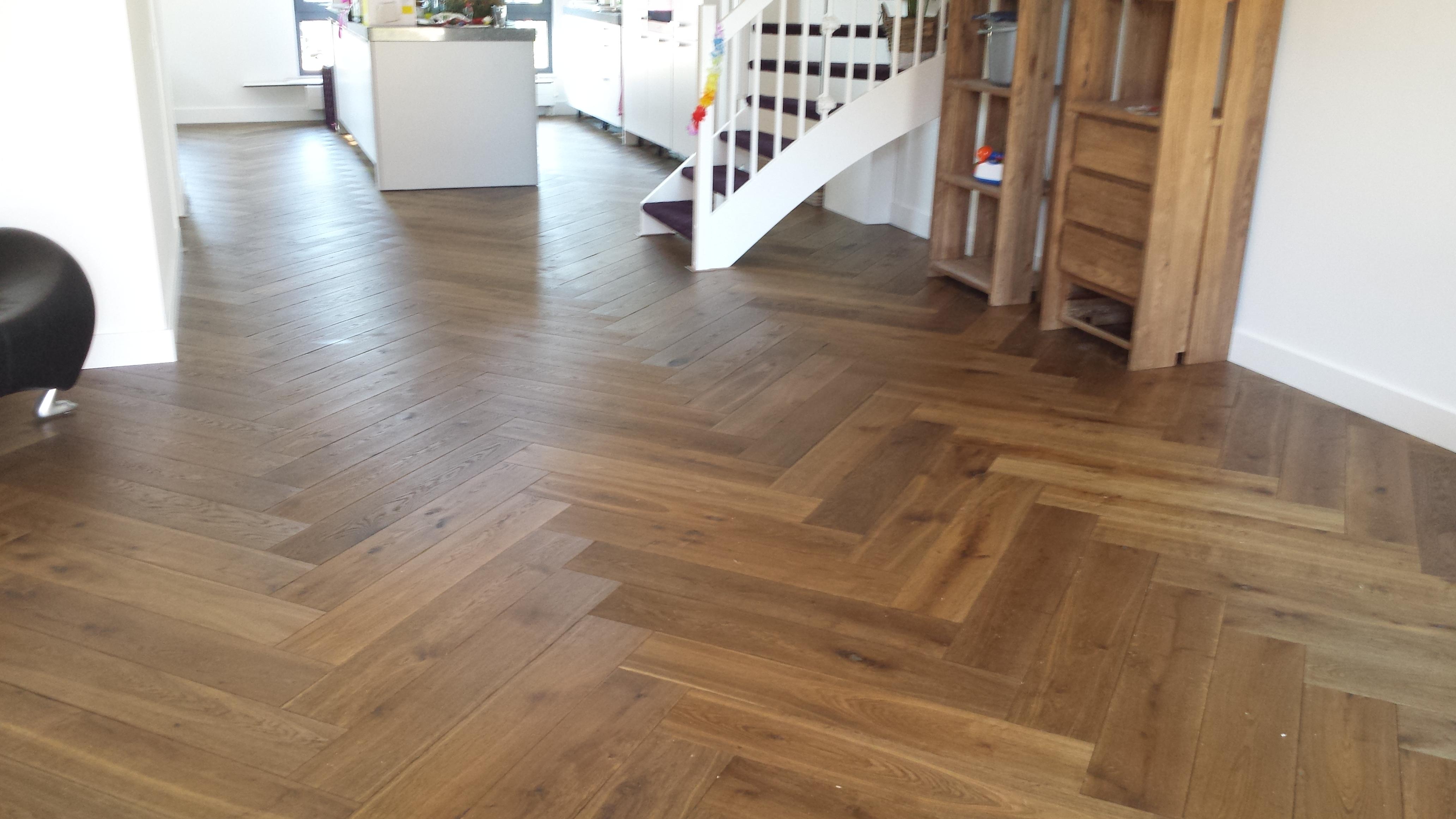 Eikenhouten Vloer Leggen : Houten vloeren leggen